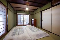 寝室 和室1部屋 (シングル布団3セットまで)