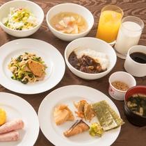 朝食バイキング(和洋約30種)