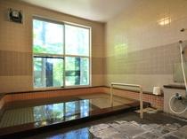 【新泉の湯】お泊りの間はいつでもご入浴できます。