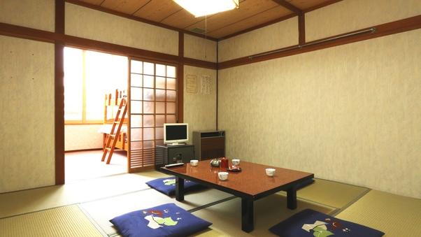 【二間】和室8畳+2段ベッド1台 ★Wi-Fi接続無料★