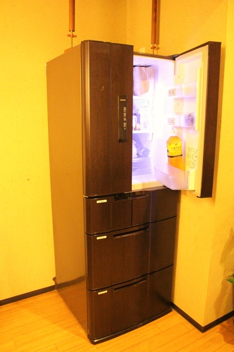 共用キッチンご利用頂けます。 Guest refrigerator is available