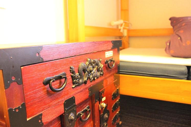 ツインルーム(畳ベンチ、バスタブ付)/ Twin room