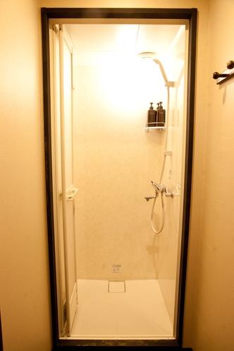 シャワー  Shower