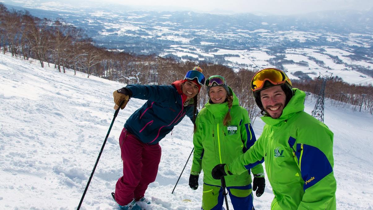 *[ニセコビレッジスキー場]羊蹄山を望むパウダースノーの聖地でウィンタースポーツを満喫!
