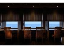 ダイニング月天(がってん)海側カウンター席 眺望抜群です。