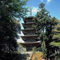 ■妙成寺〔車で約15分〕■加賀前田家ゆかりの地。日蓮宗の北陸本山です。