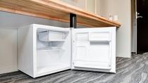*【冷蔵庫】お持込のドリンクやアルコール、デザートなどをお冷やし頂けるよう空の冷蔵を設置。