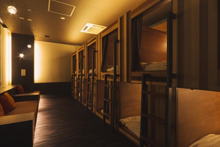 カプセルホテル旅龍屋