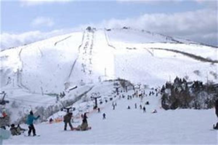 冬びわ湖バレイ 目の前に広がる銀世界 スキー・スノーボード、冬のスポーツをお楽しみ下さい。