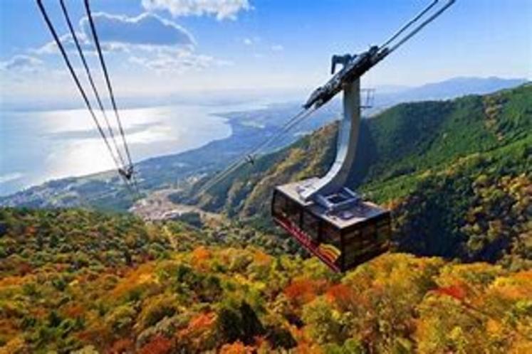 秋びわ湖バレイ 標高1103mの打見山の山頂までロープウェイに乗って空中散歩