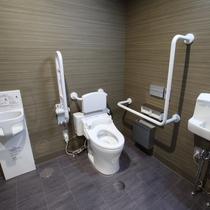 1Fには多目的トイレもございます。どなたでもご利用いただけます。