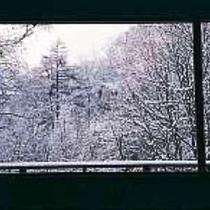 ダイニングからの雪景色