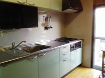 食器乾燥機もあって使いやすい「木蓮」のキッチン