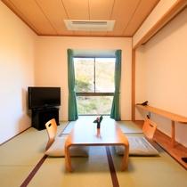 畳の香りに癒される和室
