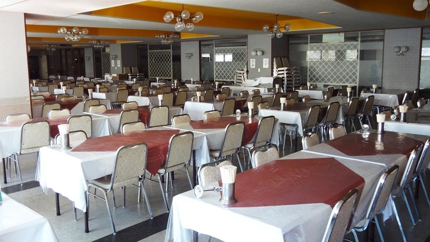 *【大食堂】お食事は、こちらでお召し上がりください。