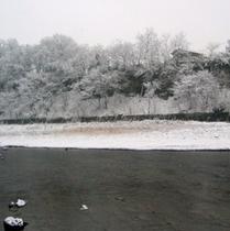 雪景色 川