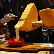 【夕食】花畑牧場のラクレットチーズと斜里産ジャガイモ