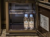 全室の冷蔵庫内にミネラルウォーターをご用意(おひとり様1本です)。