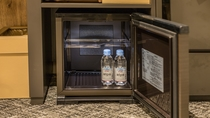 [全室]冷蔵庫内にミネラルウォーター(おひとり様1本)※プランによってはご用意がない場合がございます
