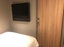 シングル、セミダブル客室(レディース含む)のトイレ扉は客室内扉としてもご利用できます。