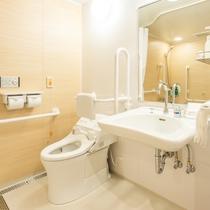 ユニバーサルダブルの洗面・トイレ(浴室内に設置されています)