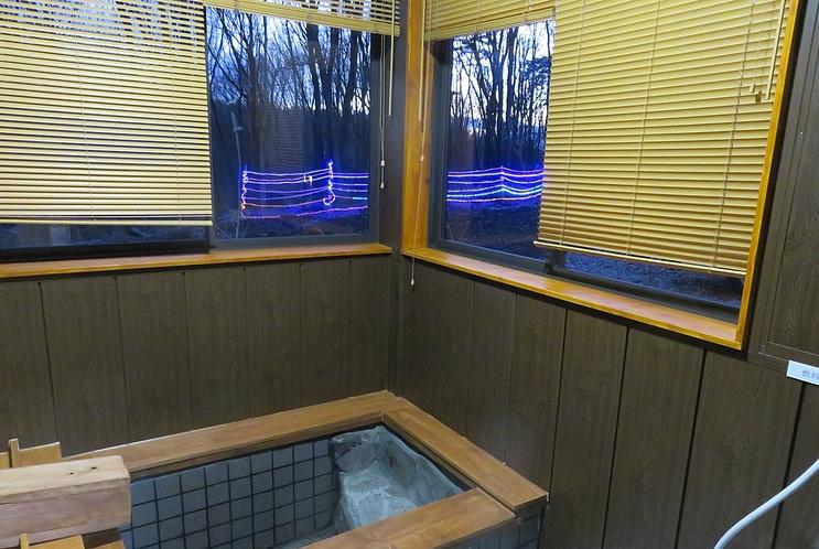 R棟浴室内からも時間限定でイルミネーションが点灯します。