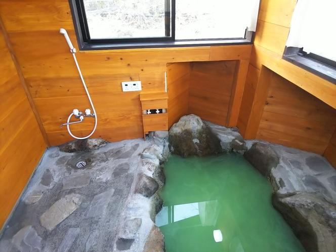 E棟 専用岩風呂