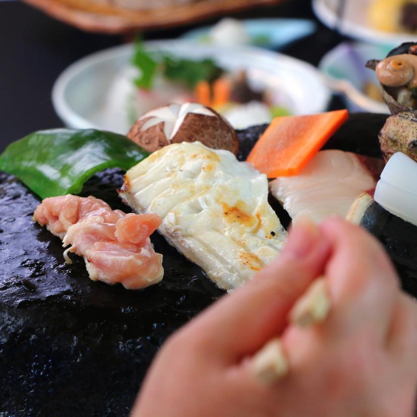 ◆グレードアップ◆熱された石が発する遠赤外線が食材を内部からふっくらと焼き上げます。