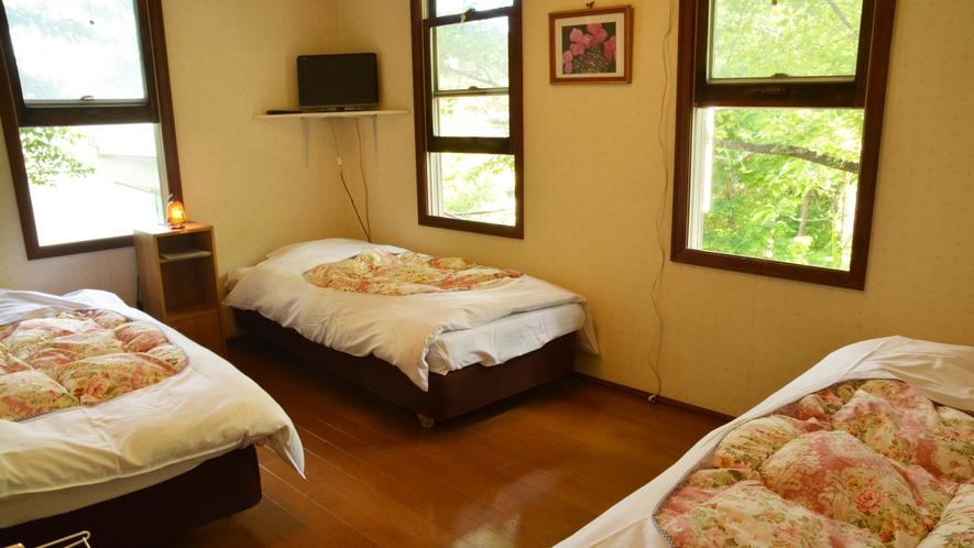 *洋室3名様用/シングルベッド3台のお部屋。