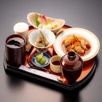 希星定食【主菜】カニクリームコロッケと刺身チョイス例