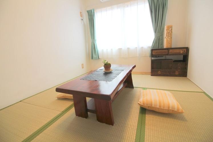 和室 寝室2 テーブルセット