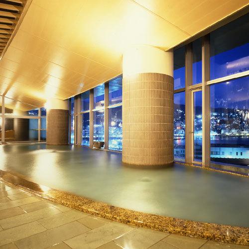 相模灘と熱海市街の夜景を見渡せるタワー館・海望の湯(カルシウム・ナトリウム・塩化物泉)