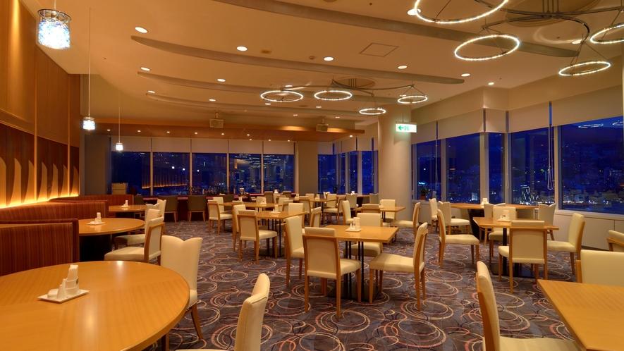 タワー館18階スカイレストラン「TOP・OF・ATAMI」