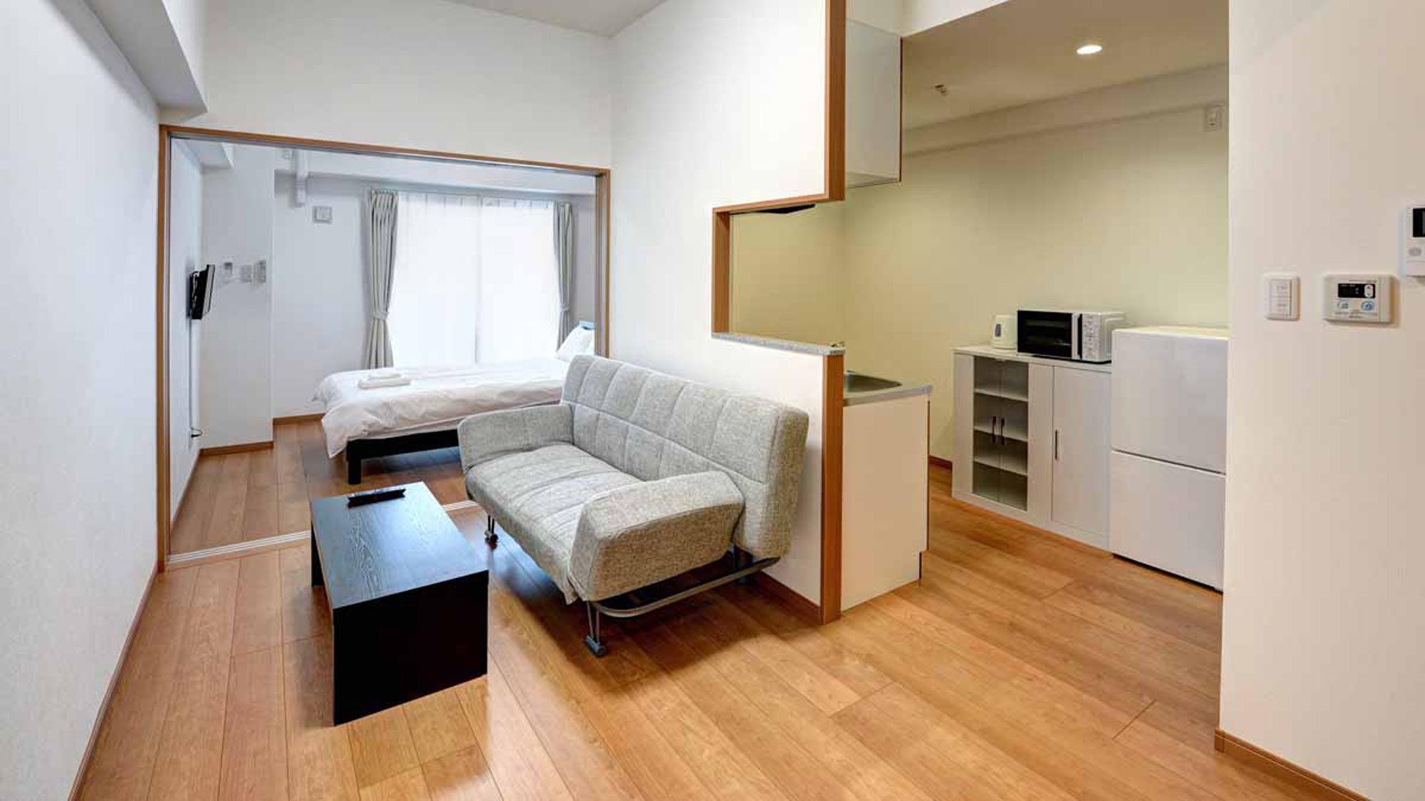 *セミダブル一例/キッチン・リビング・ベッドスペースと、住居のように暮らせるのが魅力!