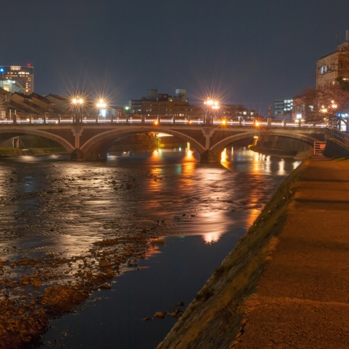 ●【夜】浅野川