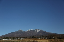八ヶ岳ブルーと呼ばれる澄んだ青空