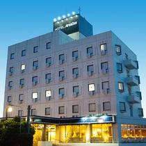 ホテル外観夜②