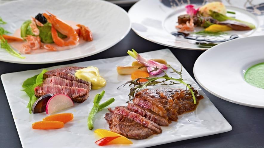 オランデーズソースの和牛フィレ肉(近江大倉和牛)とシャリアピンソースの箱根西麓牛ロース肉