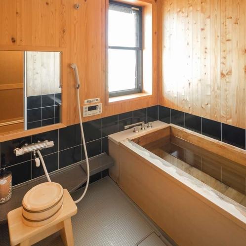 特別室の檜風呂