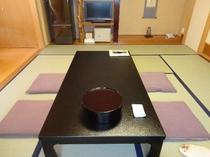 スタンダード客室:広々とした和室10畳です
