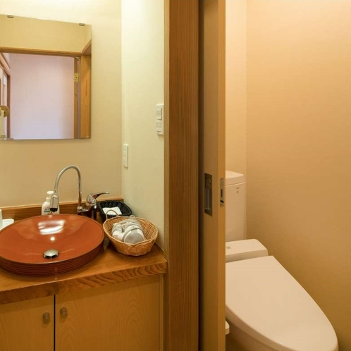 スタンダード和室:洗面・トイレ