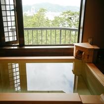 【和みフロア】展望檜風呂付特別室Aの浴室