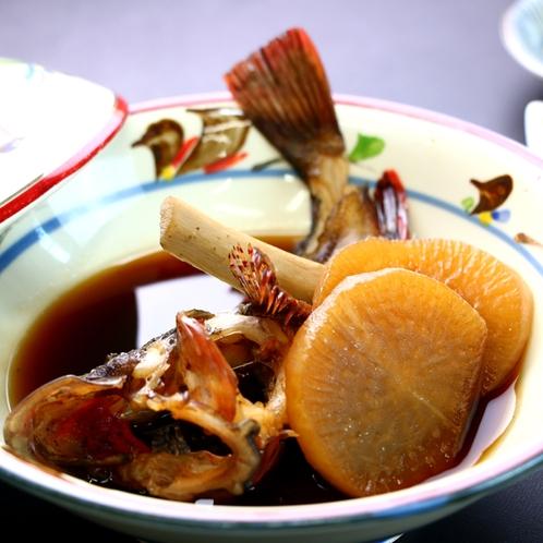 煮魚(蓋物) _煮魚をお出しした蓋物料理一例。旬魚を煮付けにしたり、海鮮鍋にしてみたり。
