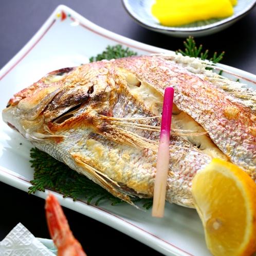 焼魚(焼物) _焼き魚一例。旬の脂の乗った魚を焼いてお出しします。