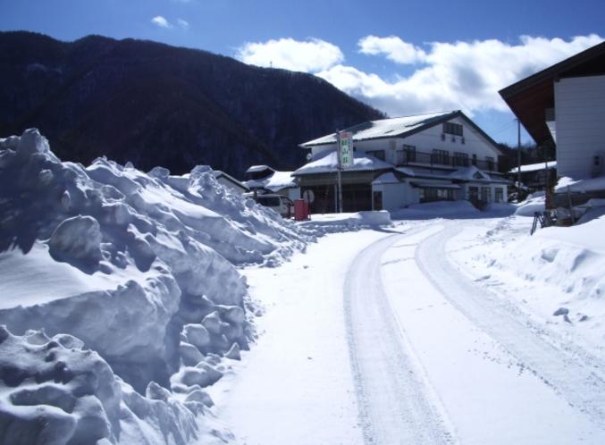 冬の緑山荘