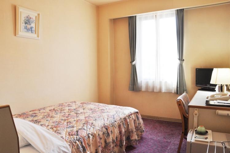 シングルルーム(全室セミダブルベッド)