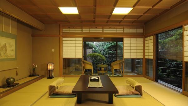 【土筆】小川を望む源泉かけ流し檜風呂付和室10畳+次の間6畳