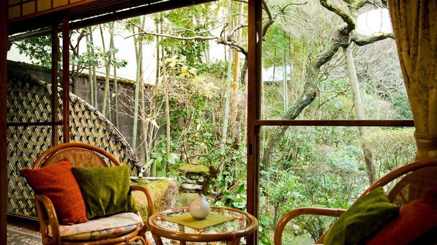 全客室から日本庭園をお楽しみ頂けます