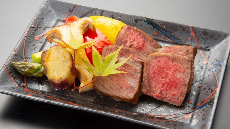 絶品の美熊野牛ステーキ。追加料理、一人前6600円(税込)です。10日前までのご注文で対応可能です。