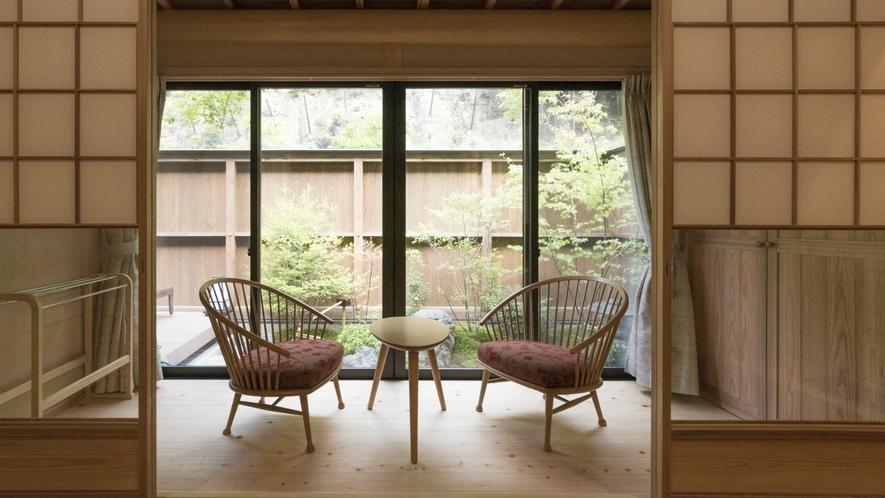 【和プレミアム】広縁から続く四季を感じる庭を眺めながら、ごゆっくりとお寛ぎください。